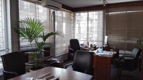 Excelente Oficina De 150 M2 Proximo Al Puerto