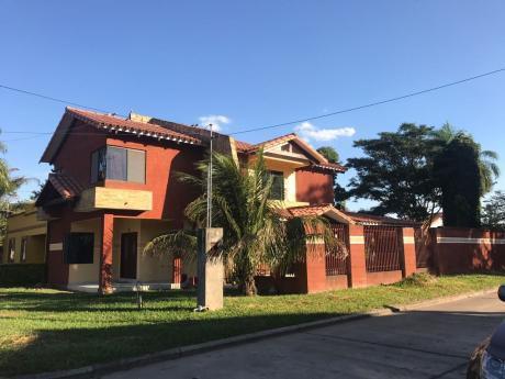 Casa De 2 Plantas En Urbanizacion Sierra Alta