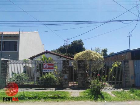 Casa A Refaccionar En Barrio Santa Maria