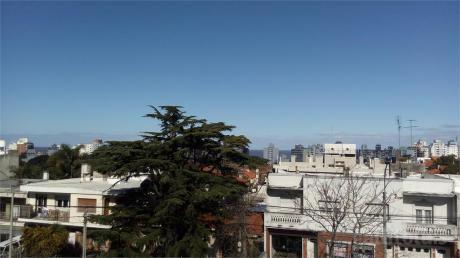 A Estrenar,amplio,terraza Al Frente,con Cochera.parr Comun.
