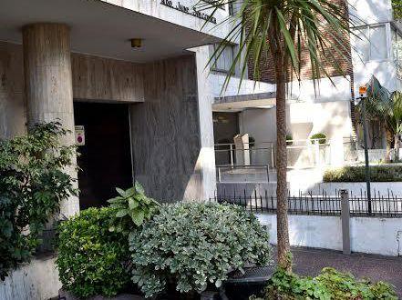 Se Vende Apartamento Pocitos 3 Dorm. 2 Baños + Parrillero Garaje / Box