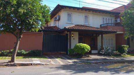 Casa Pareada En Barrio Herrera