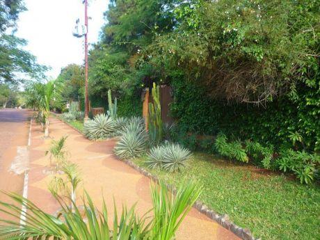 Vendo Hermosa Quinta En Aregua Sobre Asfalto