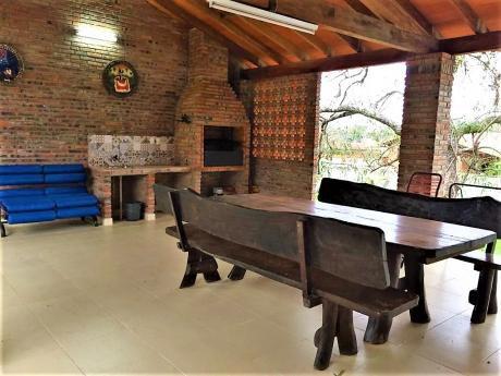 Vendo O Alquilo En Sanber Casa Amoblada Con Piscina, Zona Copaco