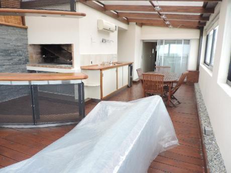 Penthouse Duplex Con Barbacoa Exclusiva. 3 Suites, 2 Gges. Prox. Wtc.