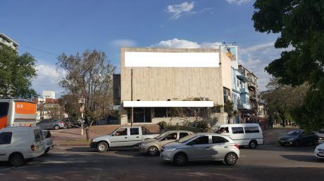 Centenario Y Luis A. De Herrera, Ideal Financiera O Sucursal Bancaria
