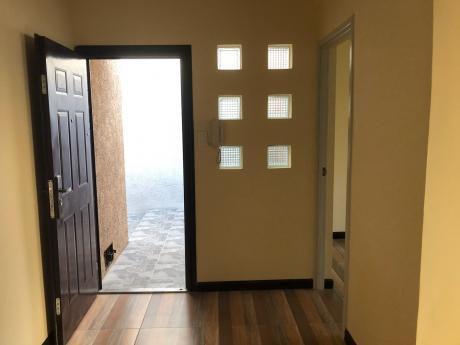 Alquiler Casa 1 Dorm Con Enorme Patio En Paullier Y Garibaldi
