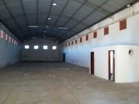 M.r. Alonso A Tres Cuadras De La Municipalidad, Deposito De 600 M2.