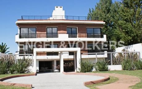 Edificio En Venta Y Alquiler En Montevideo - Carrasco