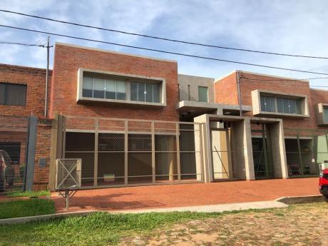 Alquilo Duplex Detras De La Conmebol