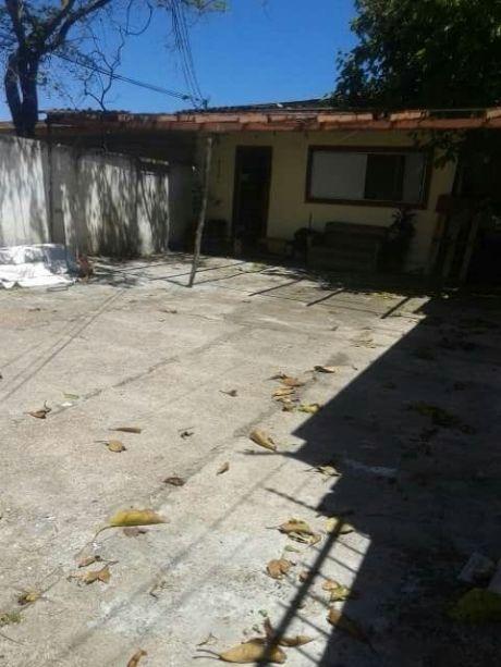 2 Casas En Gran Terreno Aires Puros