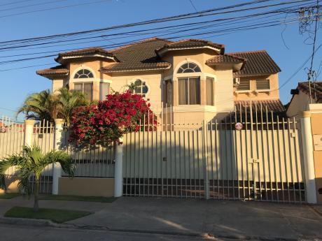 Casa En Alquiler Av.la Barranca Barrio El Trompillo,