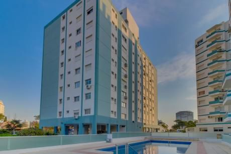 Apartamento Central En Edificio Luna De Mar