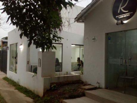 Alquilo Amplio Local Comercial En Bo Herrera