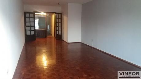 Excelente Apartamento En Sarmiento Y Bv. España
