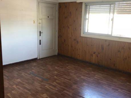 Venta De Apartamento 2 Dormitorios Carlos Maria Ramirez