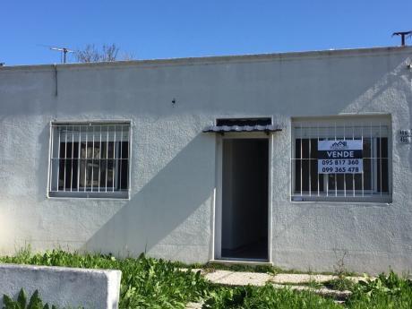 Ideal Inversor!!! 2 Casas En Un Padrón