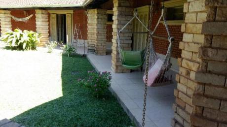 Hermosa Residencia En Coronel Bogado, Santa Ana
