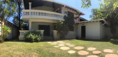 Alquilo Casa Con Piscina - Barrio Los Laureles