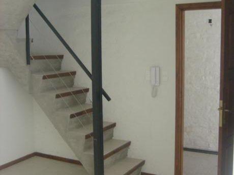 Duplex Con Patio Y Parrillero