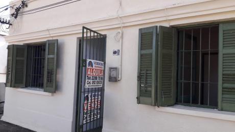 Casa 3 Dormitorios Sobre Francisco Santos Con Renta