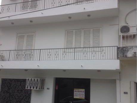 Alquilo Casa De 3 Niveles Zona Colegio Internacional