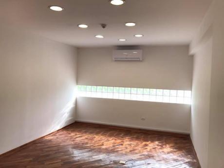 Alquilo Oficina De 100 M2 Con 3 Cocheras Zona Paseo La Galería