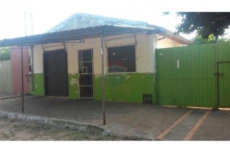 Casa De 2 Dormitorios A Precio De Terreno, Fdo. De La Mora, Zona Sur