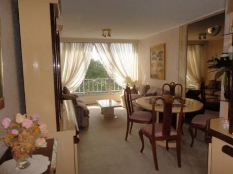 Alquiler De Apartamento Con Muebles. 2 Dormitorios, 2 Baños, Garaje, Vig.