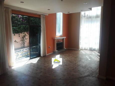 Casa En Venta En Obrajes, La Paz, Bolivia