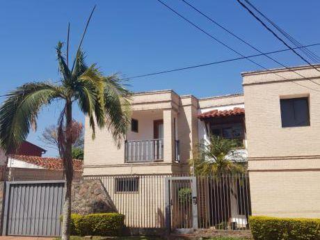 Fernando De La Mora A Tres Cuadras De La Av. Mcal. Lopez, Remato Residencia.