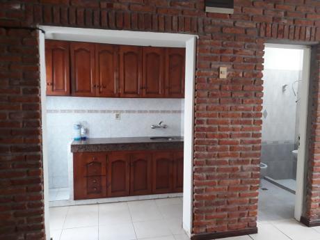 Apartamento Planta Baja Tipo Casa, Sin Gastos Comunes.