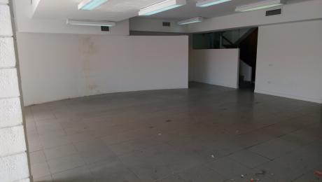 Alquilo Edificio 2°anillo Centenario