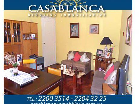 Casablanca - 1er. Piso Por Escalera  Próximo A Rivera