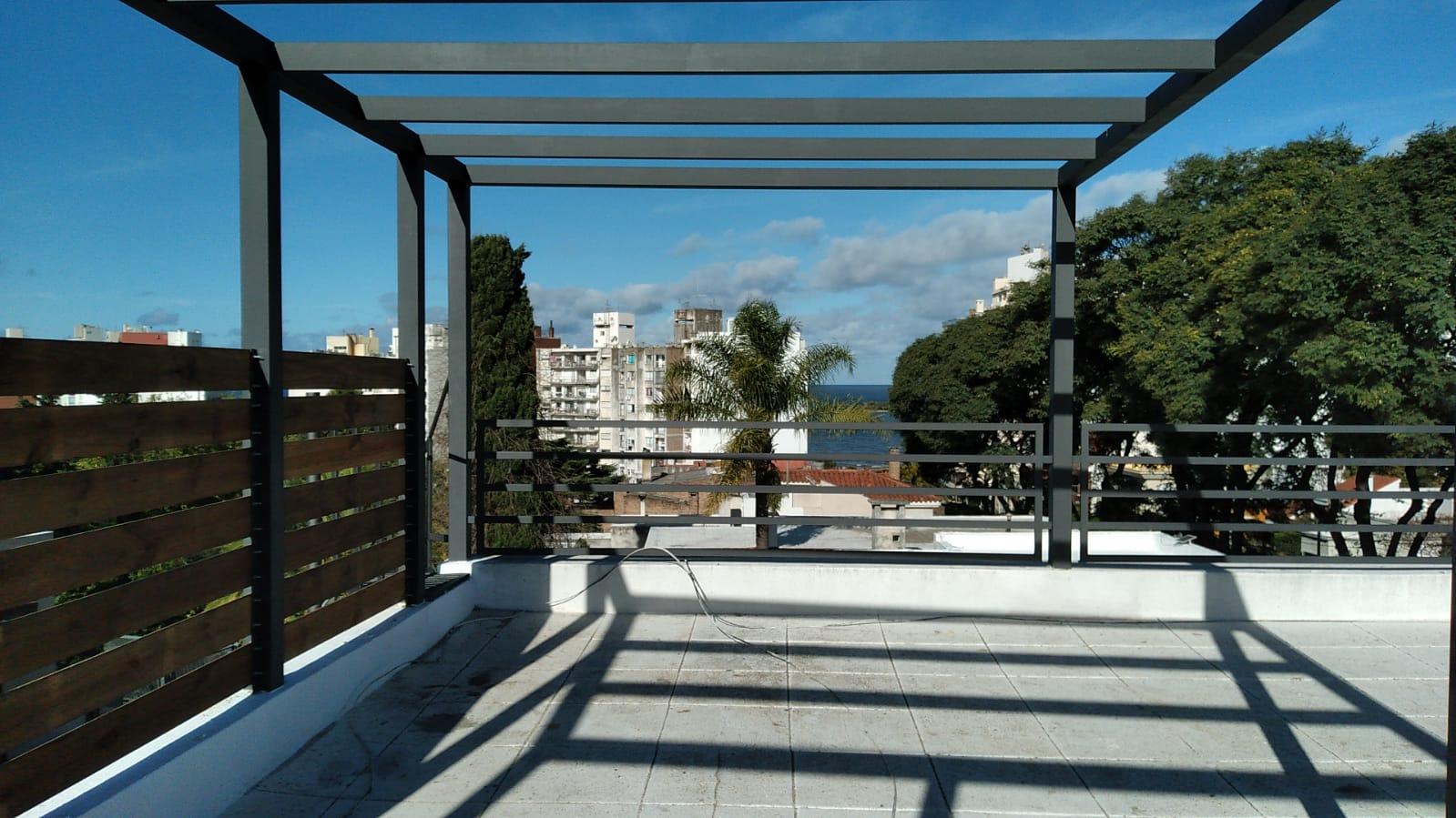 Lindísima PH toda exterior, balcones y Gran Azotea transitable, Cochera..