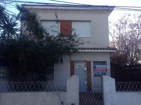Casa Al Frente,2 O 3 Dormitorios.calle Ramon Marquez