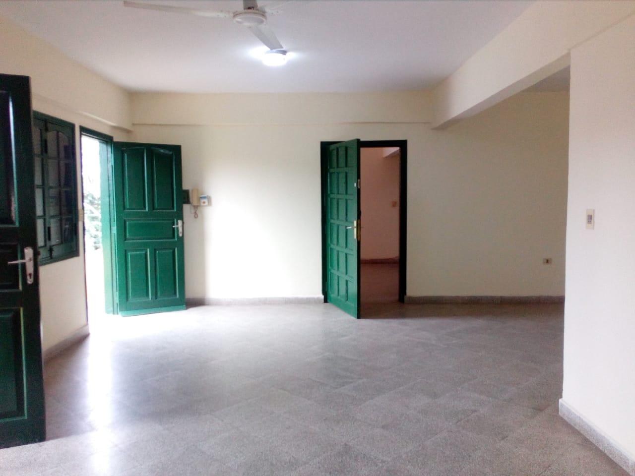 Amplio Departamento De 3 Dormitorios En Barrio Jara Zona Universidad Americana