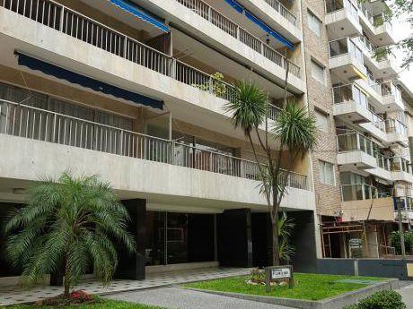 Alquiler Apartamento Pocitos, 3 Dormitorios, Gran Patio Y Barbacoa