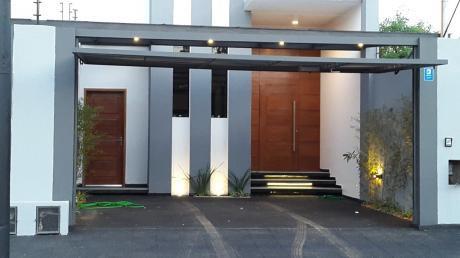 Alquilo Duplex Con Piscina Zona Colegio Goethe