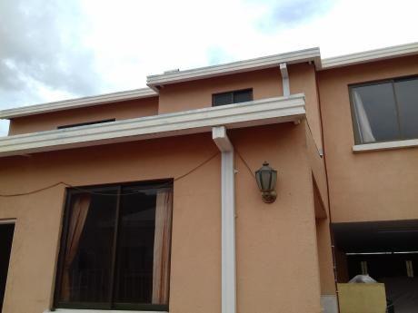 Casa En Venta En Achumani La Paz $us 129,000