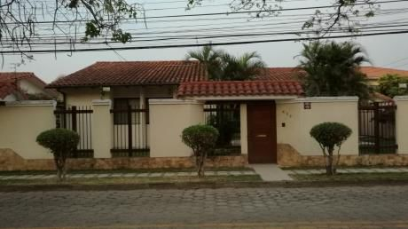 Casa En Alquiler En Barrio Urbarí