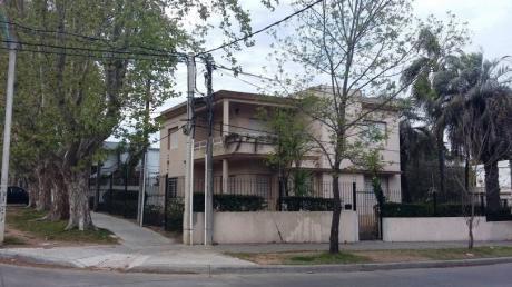 Residencia, Empresa, CLínica, Instituto. 862 M2 De Terreno.