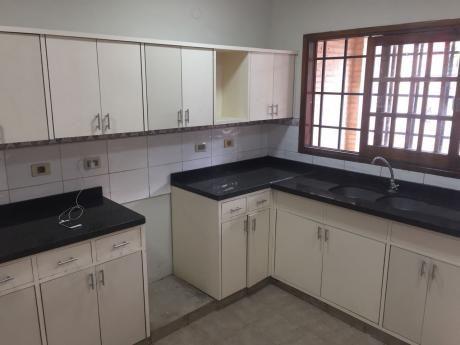Alquilo Duplex En Barrio Herrera Gs 5,000,000