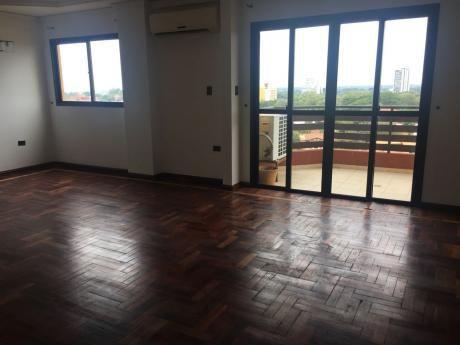 Alquilo Penthouse 4 Dormitorios – Zona Shop. Del Sol
