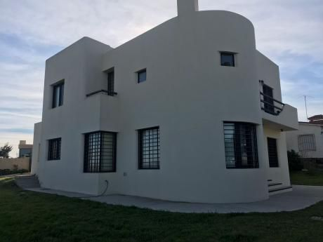 Esplendida Casa En La Rambla De Atlantida