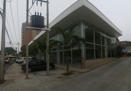Alquiler Local - Brasil C/ Republica Colombia
