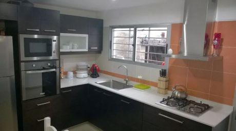 Casa En Punta Gorda.-