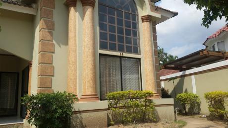 Amplia Y Preciosa Casa En Venta En Condominio Galicia