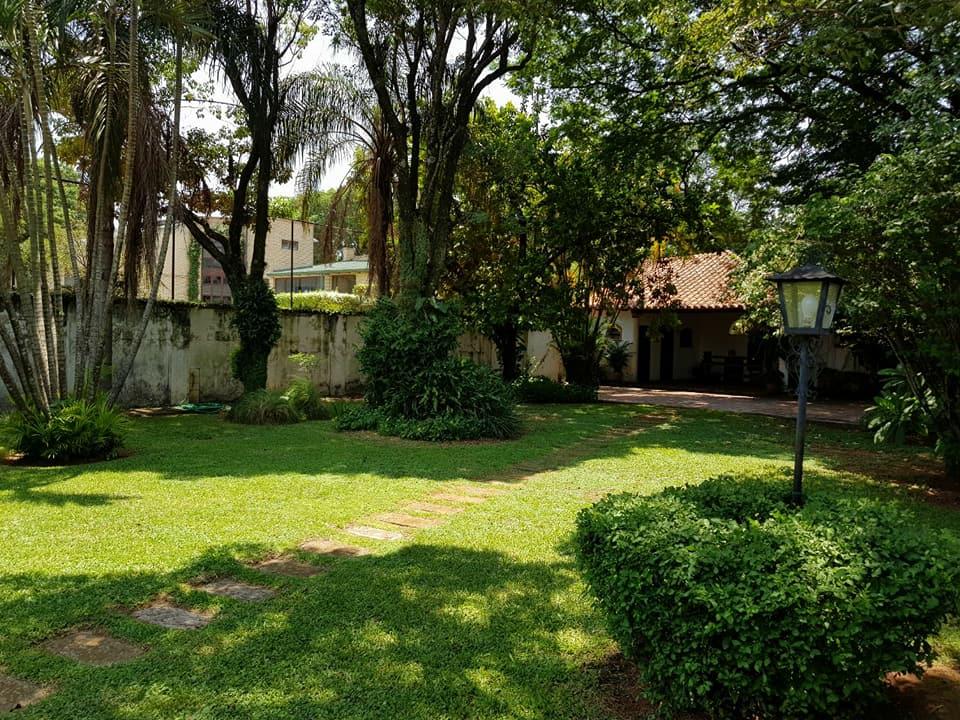 Vendo Elegante Residencia Colonial En Asuncion Barrio Los Laureles