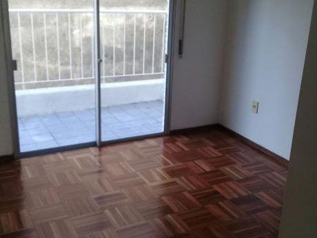 Alquilo Apto De 1 Dormitorio + Garage